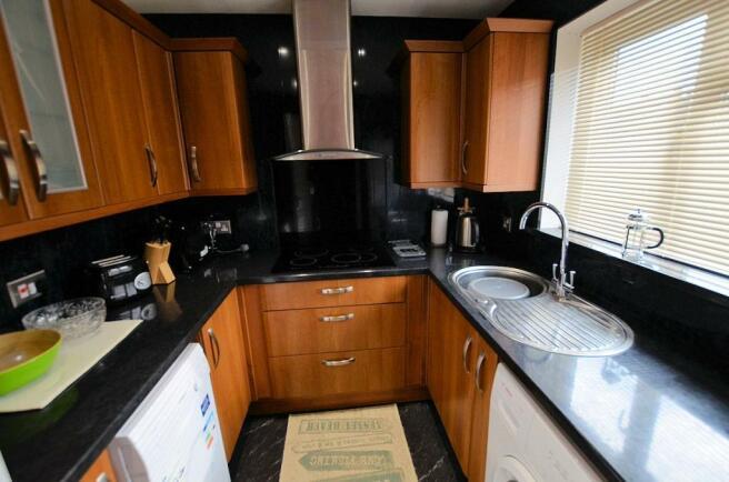 Kitchen h.jpg