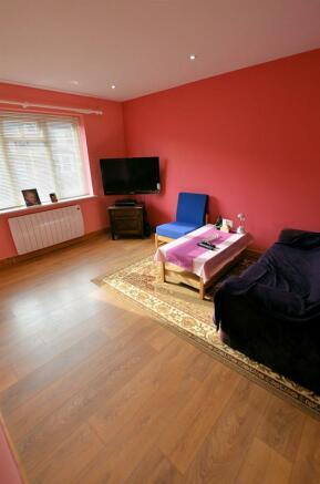 Lounge v.jpg
