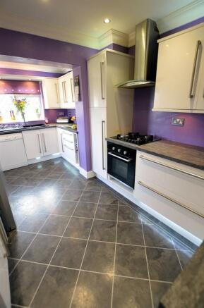 Kitchen v.jpg