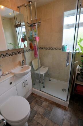 Shower room v.jpg