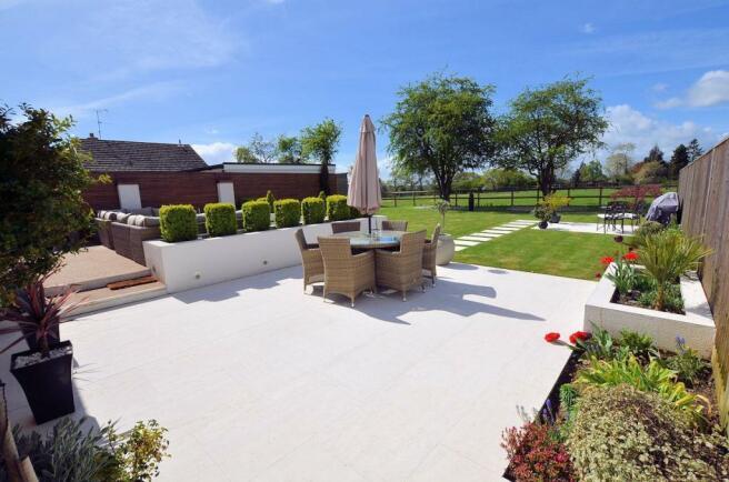 Rear garden patio.jpg