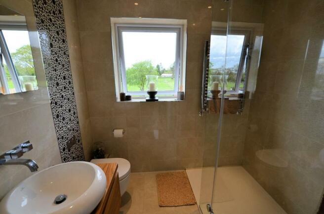Ensuite shower room .jpg