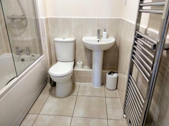 7. Family Bathroom v1.jpg