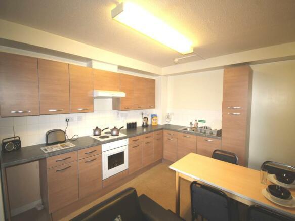 Kitchen/Living (3)