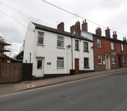 3 Bedroom End Of Terrace House For Sale In Mill Street