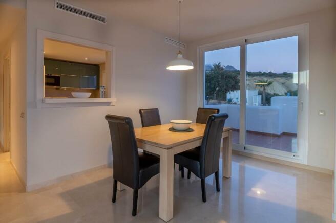 Dining area (1)