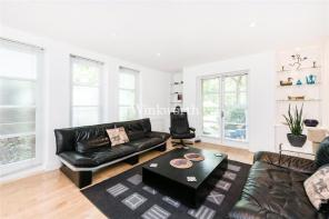 Photo of Hodford Road, London, NW11