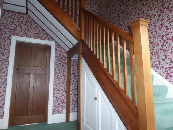 12 westbourne grove hallway 1.JPG