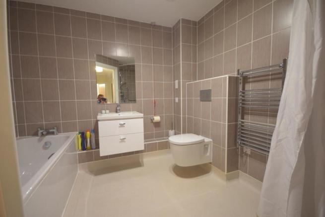 Bath & Wet Room view 2