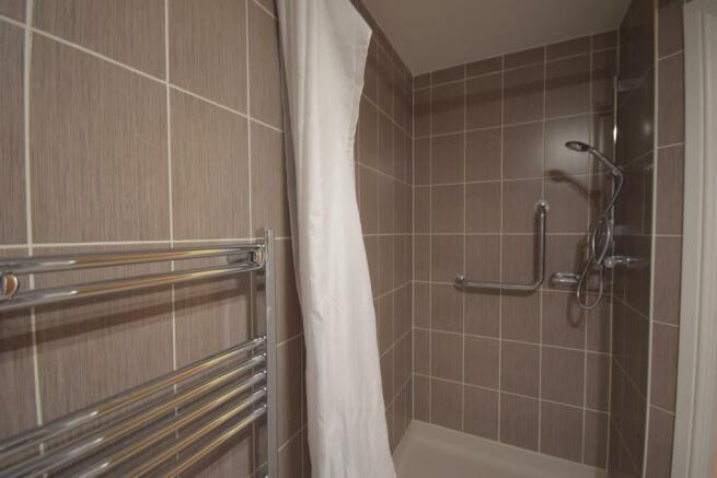 Bath & Wet Room view 3