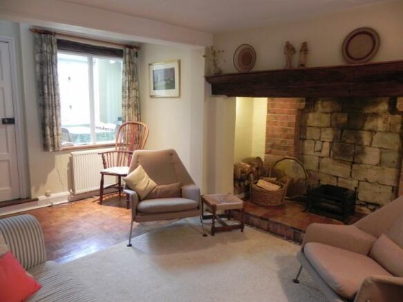 https://s3-eu-west-1.amazonaws.com/propertylab/allanmorris/property-images/standard/2382_54 Bridge Street - Sitting Room 2.JPG