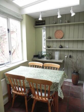 https://s3-eu-west-1.amazonaws.com/propertylab/allanmorris/property-images/standard/2382_54 Bridge Street - Sun Room.JPG