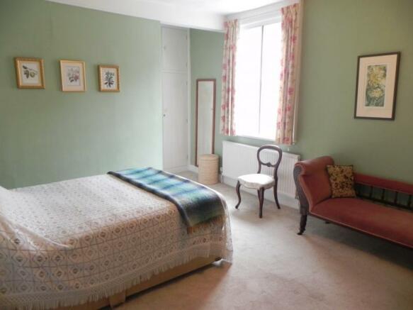 https://s3-eu-west-1.amazonaws.com/propertylab/allanmorris/property-images/standard/2382_54 Bridge Street - Bedroom One 2.JPG