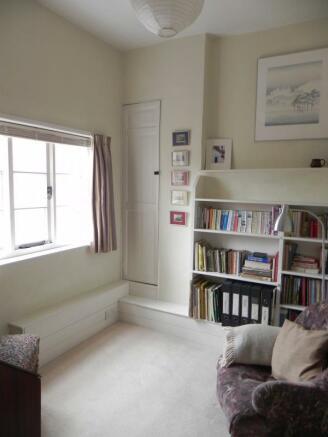 https://s3-eu-west-1.amazonaws.com/propertylab/allanmorris/property-images/standard/2382_54 Bridge Street - Bedroom Four V.JPG