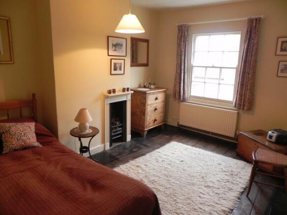 https://s3-eu-west-1.amazonaws.com/propertylab/allanmorris/property-images/standard/2382_54 Bridge Street - Bedroom Two.JPG