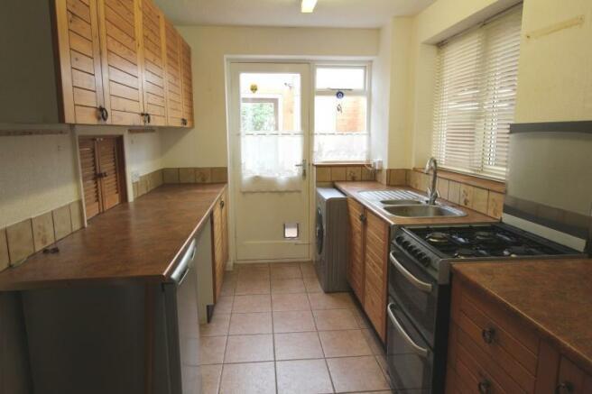 https://s3-eu-west-1.amazonaws.com/propertylab/allanmorris/property-images/standard/4486_16 Scobell Close - Kitchen.JPG