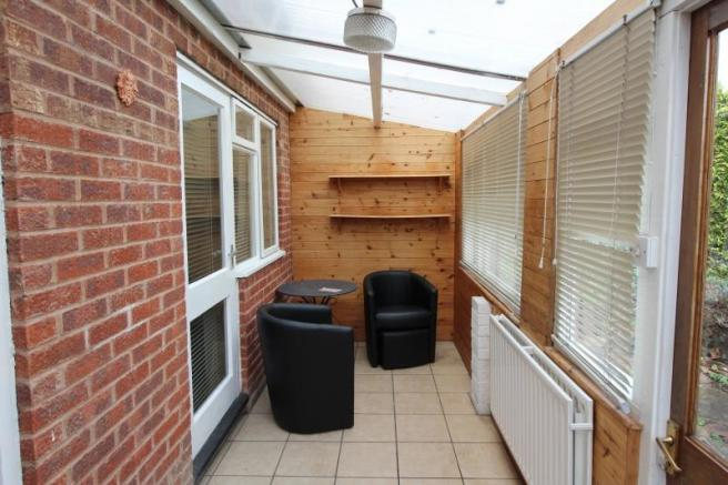 https://s3-eu-west-1.amazonaws.com/propertylab/allanmorris/property-images/standard/4486_16 Scobell Close - Lean-To Conservatory.JPG