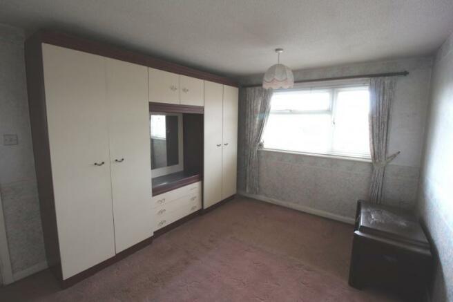 https://s3-eu-west-1.amazonaws.com/propertylab/allanmorris/property-images/standard/4486_16 Scobell Close - Bedroom One.JPG