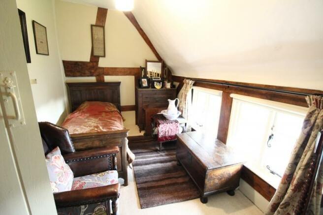https://s3-eu-west-1.amazonaws.com/propertylab/allanmorris/property-images/standard/4507_The Old Post Office - Bedroom Three new.JPG