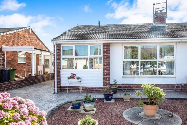 2 Bedroom Semi Detached Bungalow For Sale In Brentwood Gardens