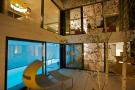 Courtyard/ Pool