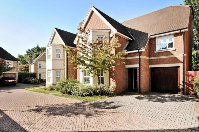 5 bed property to re