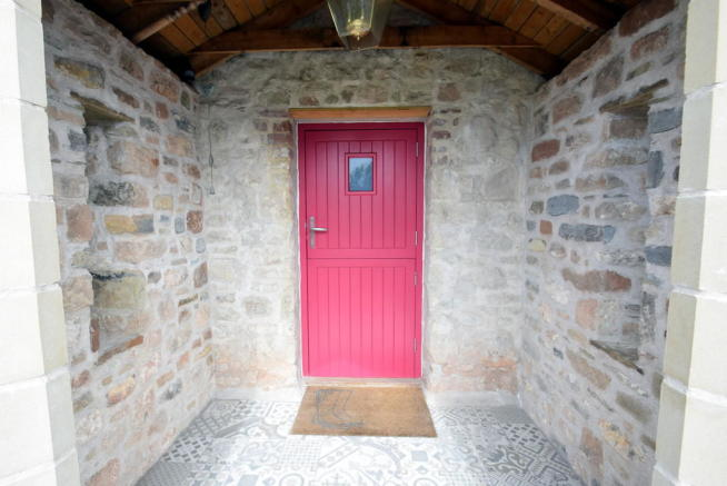 5 Bedroom Detached House For Sale In Castle Green Cottage