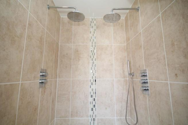 'Twin' Double Shower