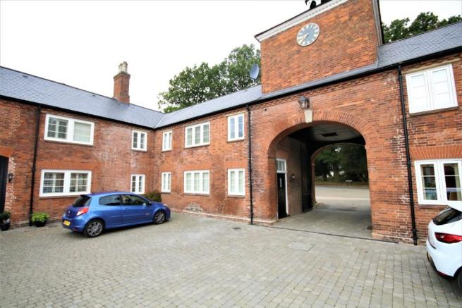 8 Stables Court