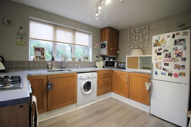 2 bedroom semi detached house for sale in wenlock close nottingham