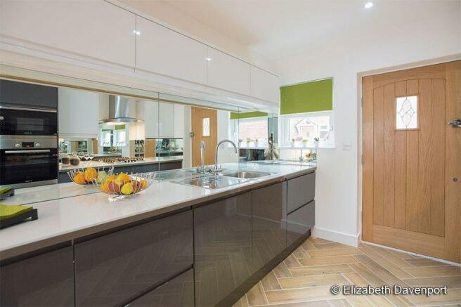 Kitchen of Num...