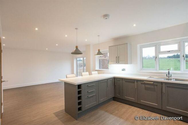 Kitchen with R...