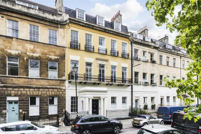 Flat 1, 13 Grosvenor Place, Bath, BA1 6AX-1.jpg