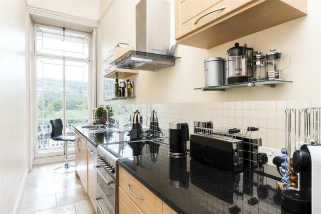 Flat 1, 13 Grosvenor Place, Bath, BA1 6AX-6.jpg