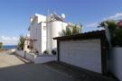 Villa + Garage