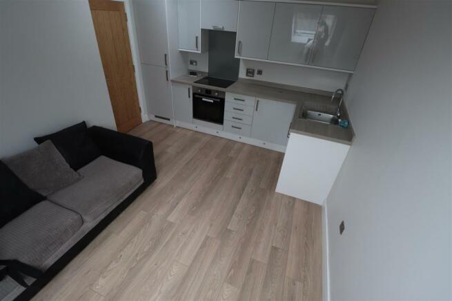 Camden Court 2A Flat 5 (3).JPG
