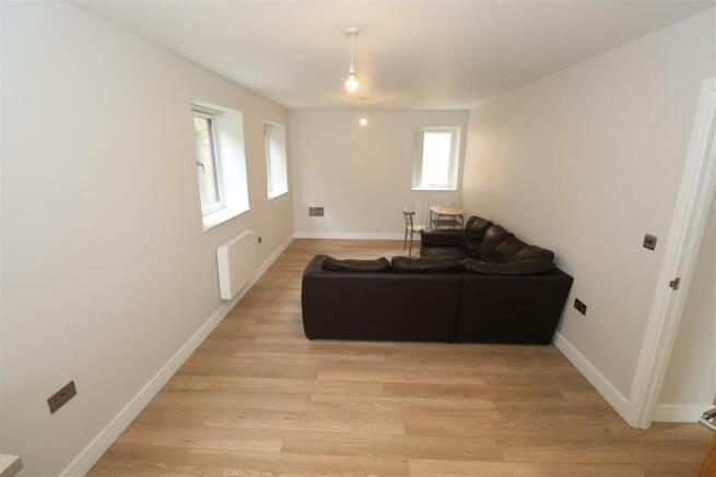 Camden Court 2A Flat 3 (2).JPG