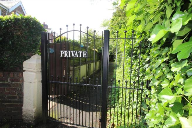 Gated Frontage