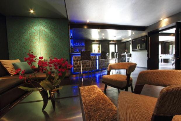 6 Bedroom Detached House For Sale In Carrwood Hale Barns