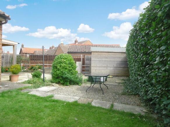 5 Southlands Helmsley rear garden.jpg