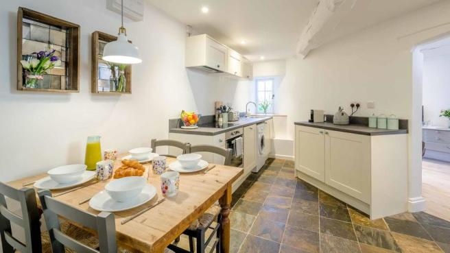 coppice-cottage-kitchen-table.jpg