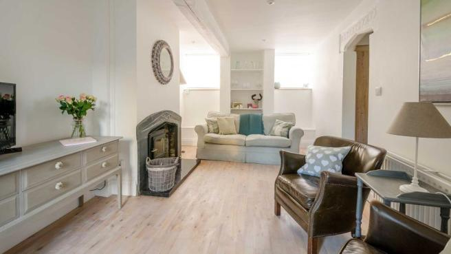 coppice-cottage-front-room.jpg