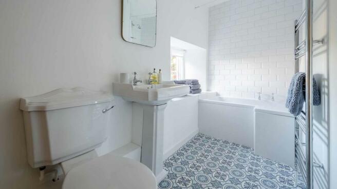 coppice-cottage-bathroom.jpg