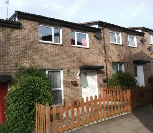 3 Bedroom Terraced House For Sale In Collmead Court