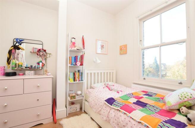 Bedroom.....jpg