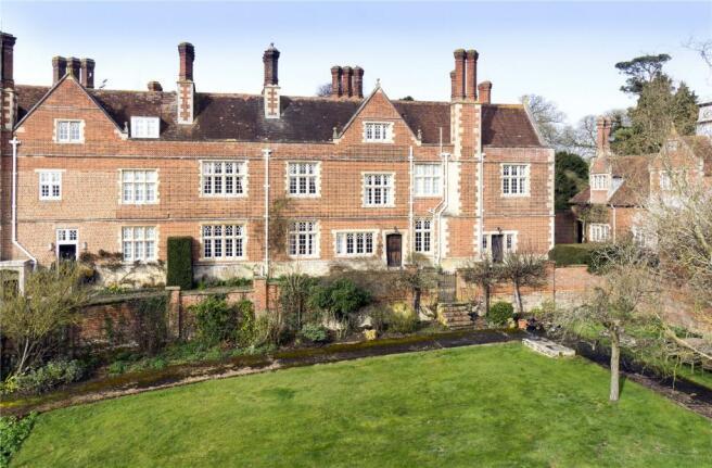 4 Crawley Grange