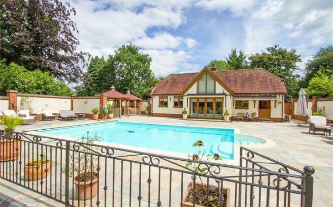 Swimming Pool/Annexe