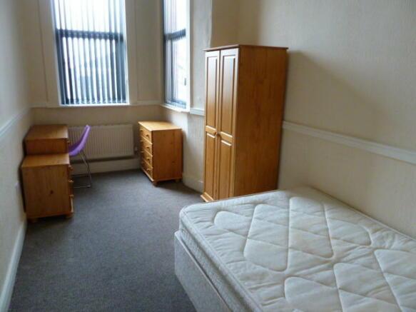Good size bedroom