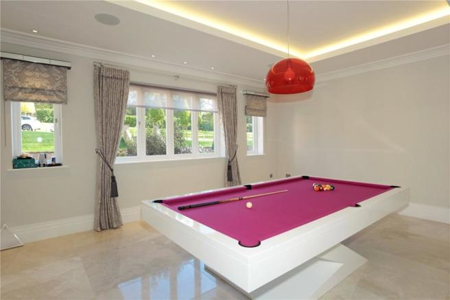 Dining/Snooker Room
