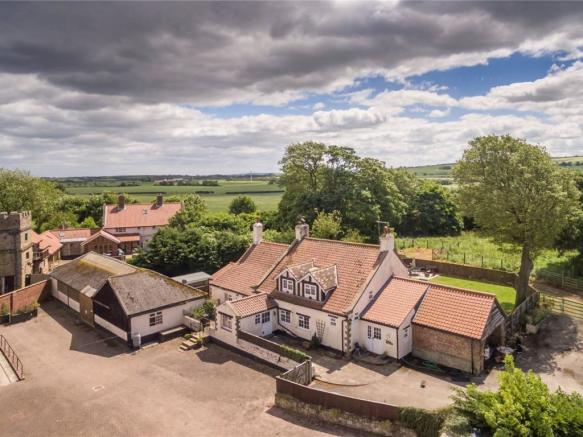 Lingholm Farmhouse